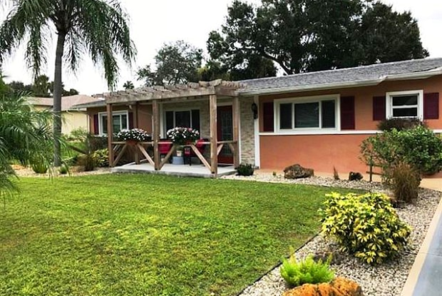 1858 Flamingo DR - 1858 Flamingo Drive, North Fort Myers, FL 33917