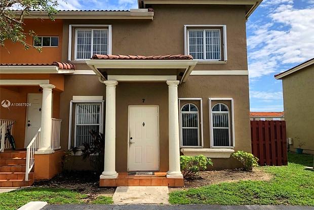 5220 NW 109th Ave - 5220 Northwest 109th Avenue, Doral, FL 33178