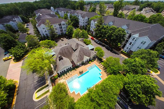 Regent's Park - 9333 Clocktower Pl, Fairfax, VA 22031