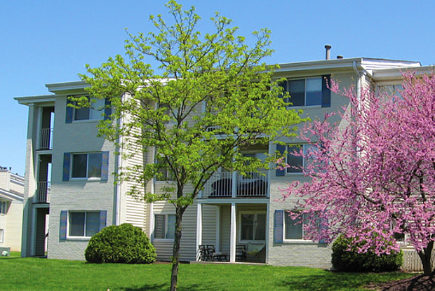 Riverbend Apartments - 8850 River Bend Pkwy, Indianapolis, IN 46250