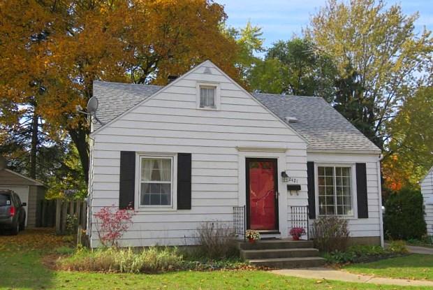 2421 Mildred Ave SE - 2421 Mildred Avenue Southeast, Grand Rapids, MI 49507