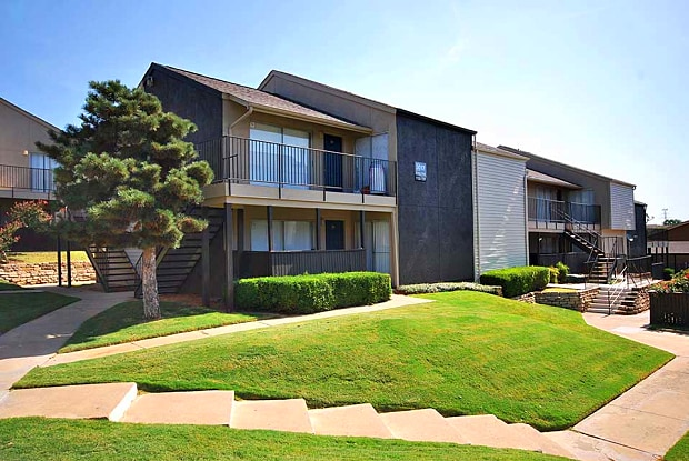 Apple Apartments - 3005 W Walnut Hill Ln, Irving, TX 75038