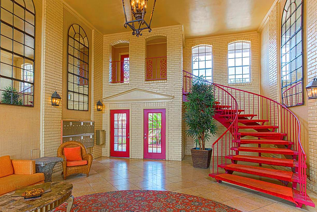 Colonial Manor Apartment Homes - 7373 Jefferson Hwy, Harahan, LA 70123
