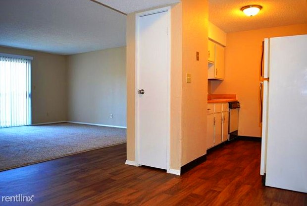 Peppertree Apartments - 3100 W 22nd St, Lawrence, KS 66047
