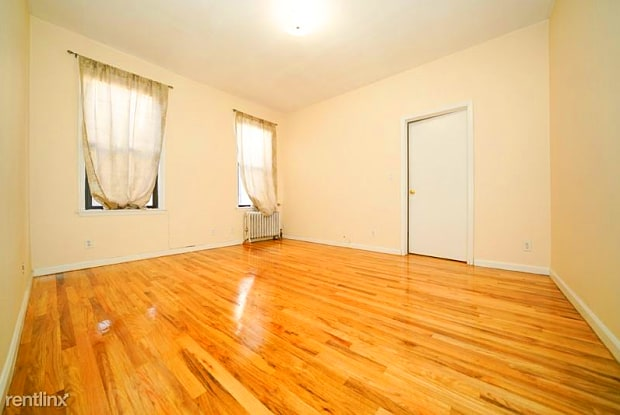 3055 34th St 3 - 3055 34th St, Queens, NY 11103