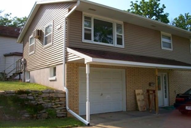 180 E Furnace st - 180 East Furnace Street, Platteville, WI 53818