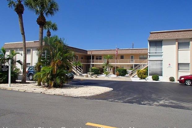 537 Manatee Ct Unit 101 - 537 Manatee Court, Venice, FL 34285