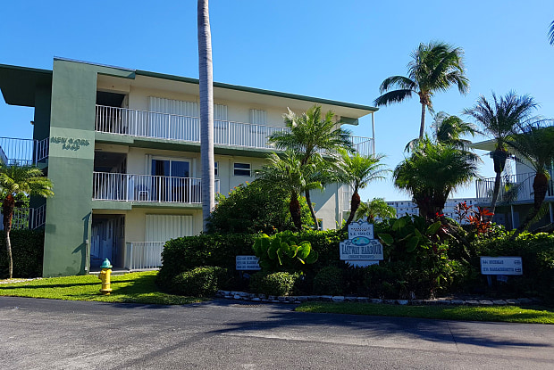 1445 SE 15th Court - 1445 Southeast 15th Court, Deerfield Beach, FL 33441