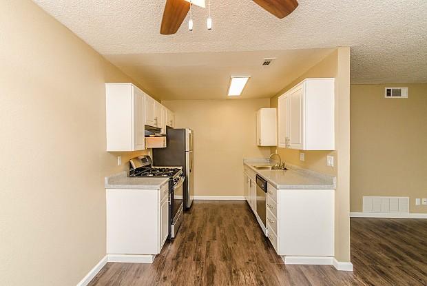 Pinewood Apts - 1000 Pine Ave, Redlands, CA 92373