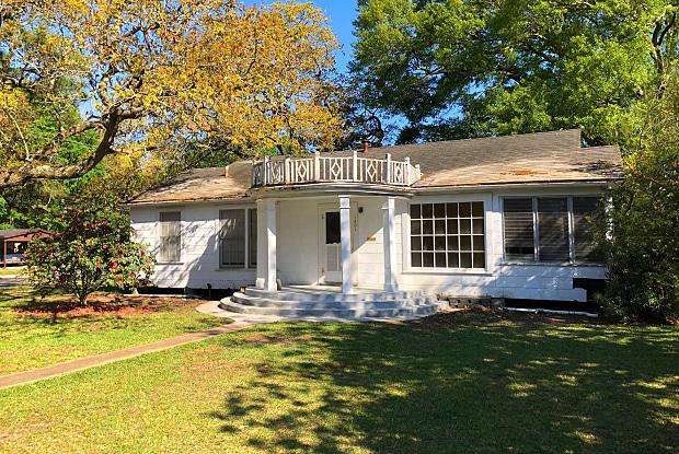 1801 7th St - 1801 7th Street, Lake Charles, LA 70601