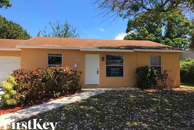 967 38th Street - 967 38th Street, West Palm Beach, FL 33407
