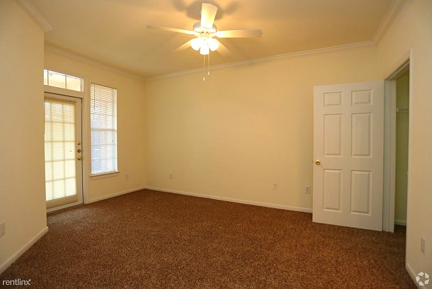 19950 Huebner Rd - 19950 Huebner Road, San Antonio, TX 78258