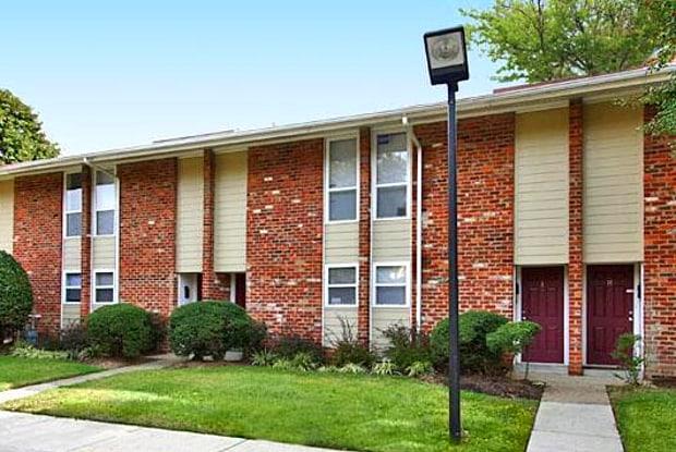 Village at the Arbors - 5613 Crenshaw Rd, Richmond, VA 23227
