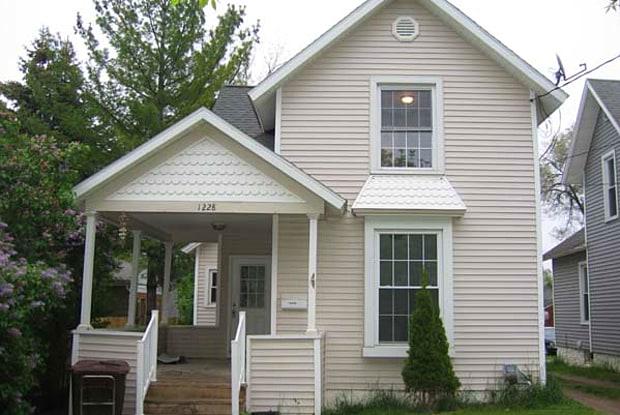 1228 N Capitol Ave - 1228 North Capitol Avenue, Lansing, MI 48906