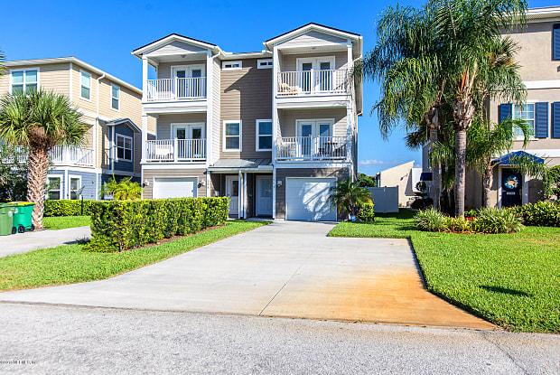 137 14TH AVE S - 137 14th Ave S, Jacksonville Beach, FL 32250