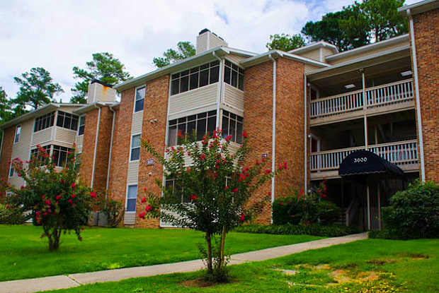 Tamarack on the Lake - Fayetteville, NC apartments for rent