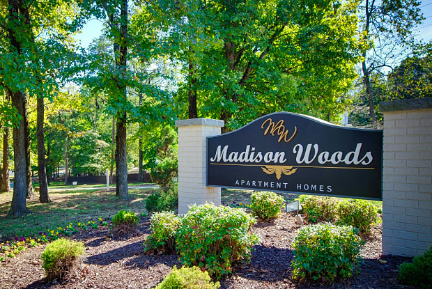 Madison Woods - 5505 Tomahawk Dr, Greensboro, NC 27410