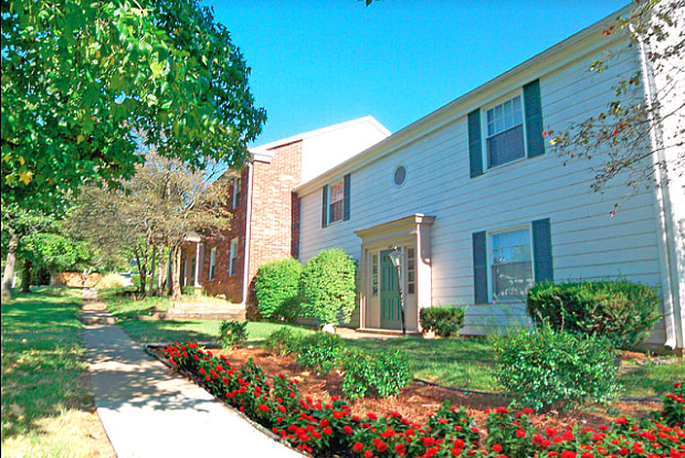 Stony Brook Place - 5312 Poindexter Dr, Louisville, KY 40291