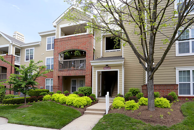 Lakeside Apartments - 6221 Summer Pond Dr, Centreville, VA 20121