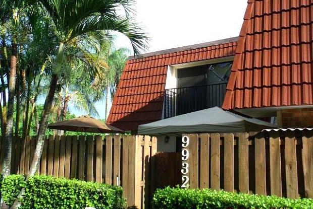 9932 NW 6 Court - 9932 NW 6th Ct, Plantation, FL 33324