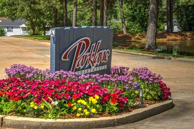 Parklane Apartments - 1210 Parklane Dr, McComb, MS 39648