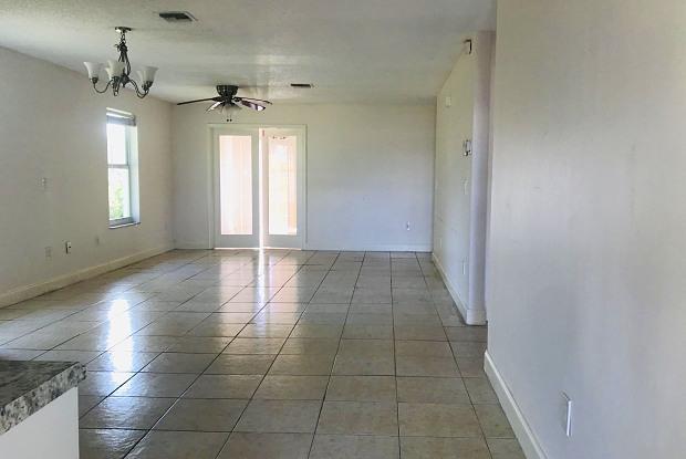 925 SW 12th Avenue - 925 Southwest 12th Avenue, Delray Beach, FL 33444