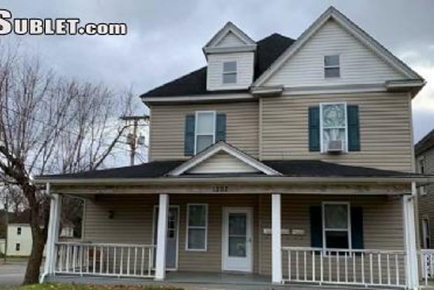 1202 Chapman Ave Sw - 1202 Chapman Avenue Southwest, Roanoke, VA 24016