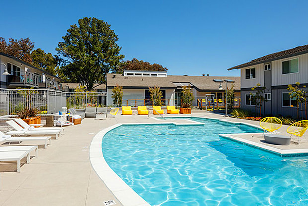Lagoons - 707 Bounty Dr, Foster City, CA 94404