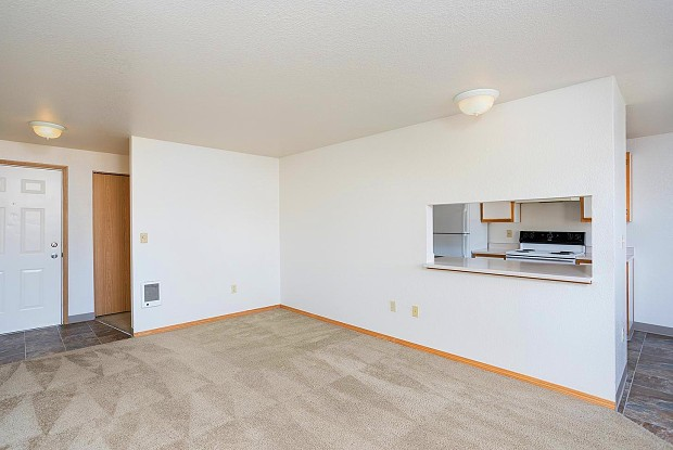 Kinnaman Terrace - 17851 SW Kinnaman Rd, Aloha, OR 97007