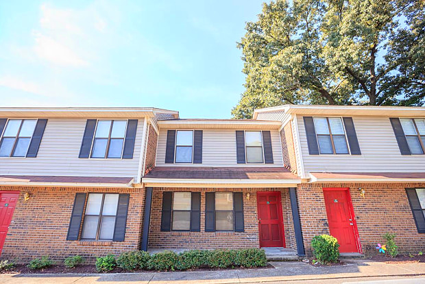 University Village at Walker Road - 10 Hull Cv, Jackson, TN 38305