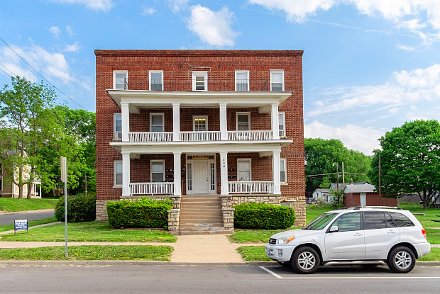 Franklin - 204 East Franklin Street, Liberty, MO 64068