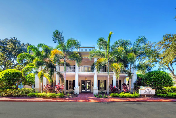 Tradition at Palm Aire - 8445 Gardens Cir, Sarasota, FL 34243