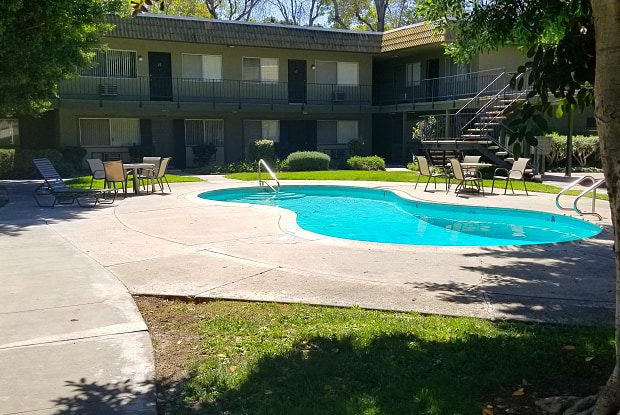 Orange Plaza Apartments - 1450 E Del Mar Ave, Orange, CA 92865