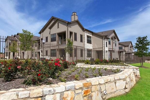 Canyon Springs Apartment Homes - 2301 Woodgate Dr, Waco, TX 76712