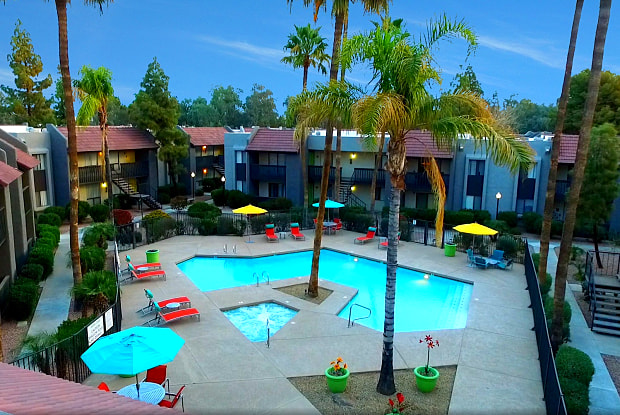 Willow Creek Apartments - 13656 Hilleary Pl, Poway, CA 92064