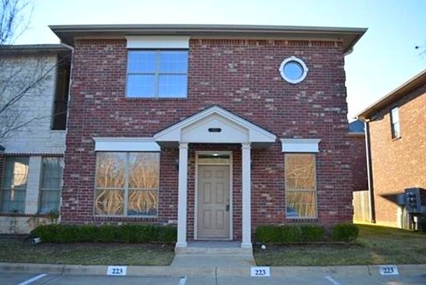 441 Forest Drive - 441 Forest Dr, College Station, TX 77840