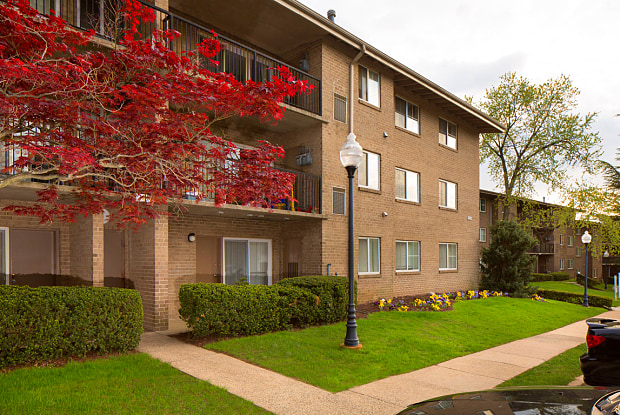 Stoneridge at Mark Center Apartment Homes - 5797 Rayburn Ave, Alexandria, VA 22311