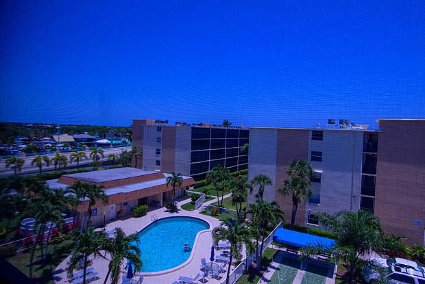 720 E Ocean Avenue - 720 Florida Highway 804, Boynton Beach, FL 33435