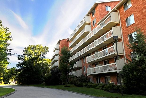 Kimball Court - 7 Kimball Ct, Woburn, MA 01801