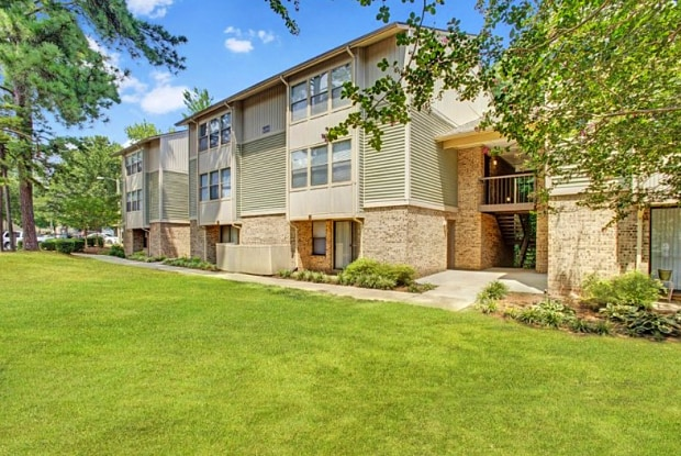 Lynnwood Park - 6200 North Hills Drive, Raleigh, NC 27609