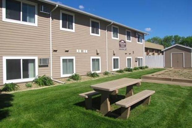 Old West Apartments - 215 N Deadwood St, Fort Pierre, SD 57532