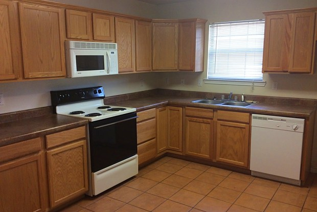 1012 N. Brents Ave,. - 1012 North Brents Avenue, Sherman, TX 75090