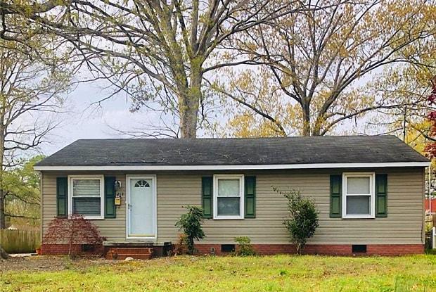 212 Robinson Drive - 212 Robinson Drive, Newport News, VA 23601
