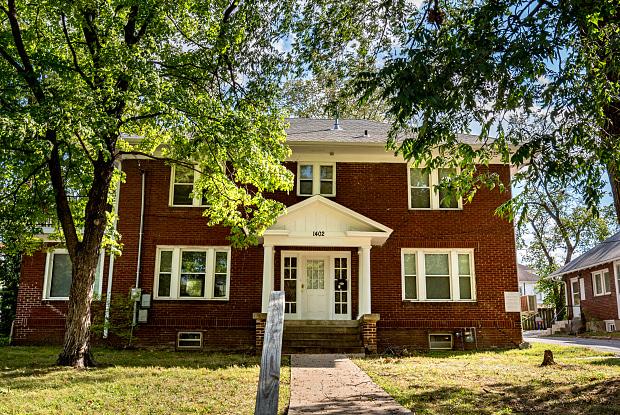 1402 UNIVERSITY AVE - 1402 University Avenue, Columbia, MO 65201