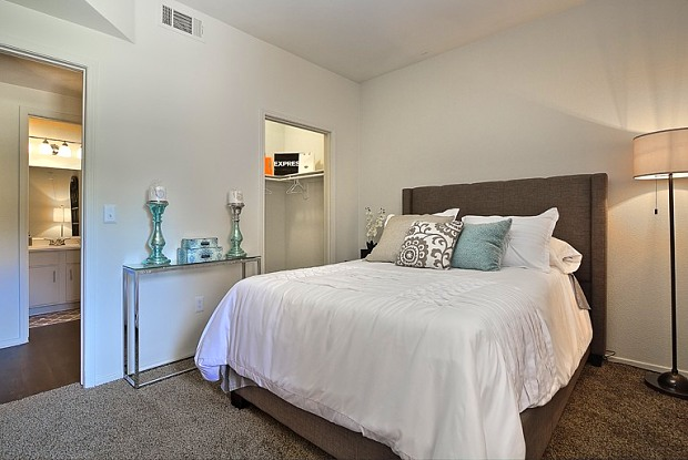 Jovanna Villas Apartment Homes - 2720 W Serene Ave, Enterprise, NV 89123