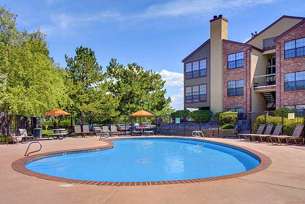 Winridge Apartments & Townhomes - 2075 S Paris Way, Aurora, CO 80014