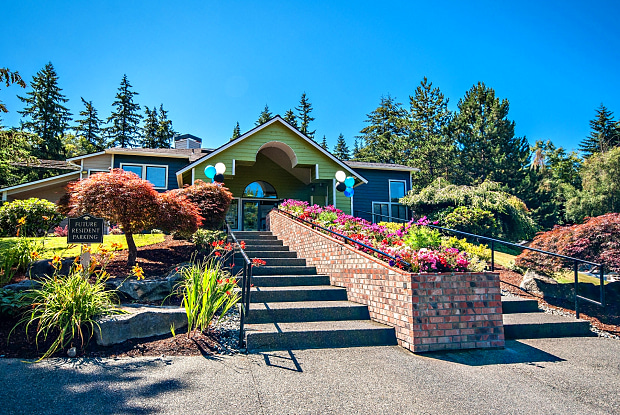 Brackett Apartments - 9501 244th St SW, Edmonds, WA 98020