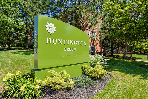 Huntington Green - 2200 Milton Rd, University Heights, OH 44118