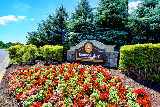 Seneca Bay - 3736 White Pine Rd, Middle River, MD 21220