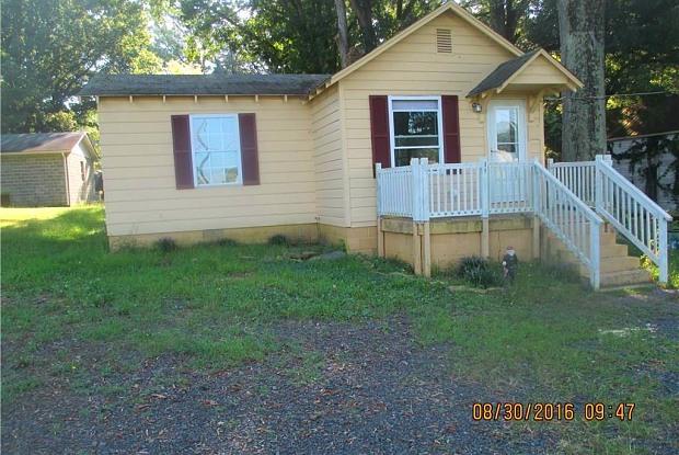 720 S Fieldcrest Road - 720 South Fieldcrest Road, Eden, NC 27288